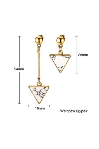 Kép 2/6 - A & ONE Arany színű rozsdamentes acélból készült fülbevaló háromszög alakú dísszel