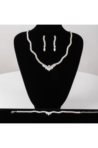 Kép 1/3 - A & ONE Ezüst Színű Strasszkövekkel Díszített Esküvői Ékszer Szett