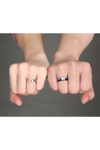 Kép 4/5 - A & ONE Ezüst/fekete Színű Rozsdamentes Acél Karikagyűrű Cirkónia kővel