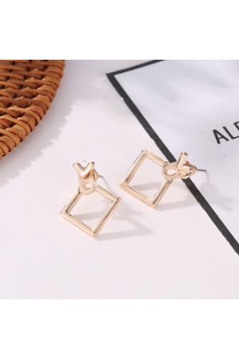Kép 4/4 - A & ONE Egyedi Arany színű négyzet alakú fülbevaló