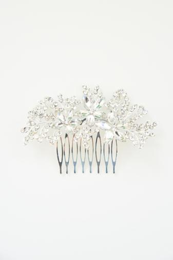 Kép 2/2 - A & ONE Ezüst Színű Hajtű Virág Alakban Strasszkövekkel Díszítve