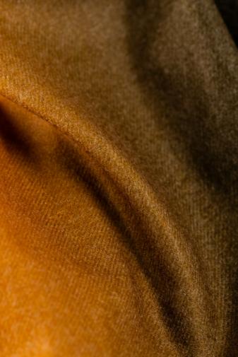 Kép 2/3 - A & ONE Sárga Színátmenetes Gyapjúkeverék Sál Rojtokkal