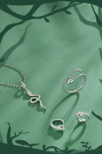 Kép 3/4 - A & ONE Ezüst Fülbevaló Kígyó Formával És Cirkónia Kövekkel