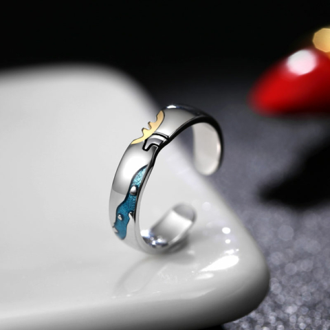 Ezüst, szarvast ábrázoló gyűrű - 15 mm