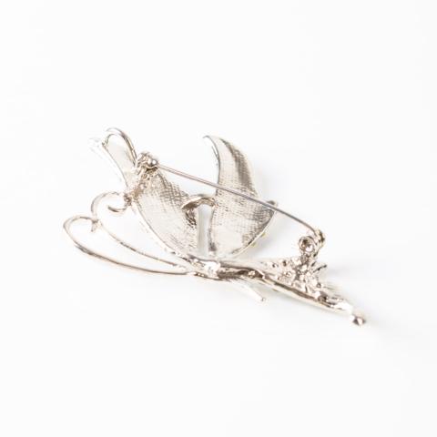 Ezüst Színű Strasszos Pillangó Mintás Kitűző