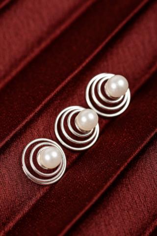 A & ONE Ezüst színű spirálos hajtű gyöngy díszítéssel