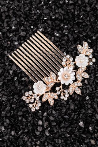 A & ONE Virágokkal És Strasszkövekkel Díszített Fehér- Arany Nikkelmentes Fém Hajtű
