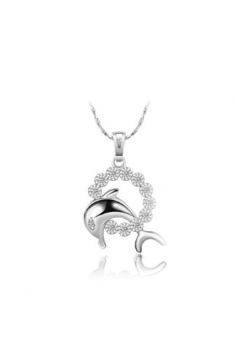 Kép 1/5 - Xuping Ezüst színű rozsdamentes ötvözetből készült nyaklánc delfines strasszos medállal