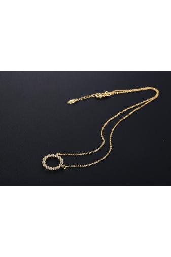 Kép 4/6 - Xuping Arany színű rozsdamentes ötvözetből készült strasszos nyaklánc kör alakú medállal