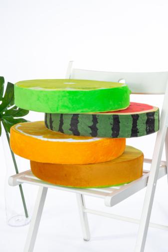 Kép 2/3 - A & ONE Görögdinnye mintájú puha plüss székpárna