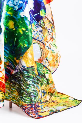Kép 2/4 - Színes Absztrakt Mintás Selyem Hatású Textil Sál