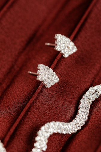 Kép 3/4 - Diamond Love: Női Ezüst Színű Cirkónia Kövekkel Kirakott Nyaklánc, Fülbevaló És Karkötő Szett