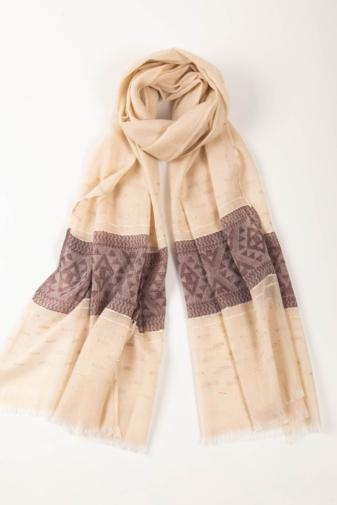 Kép 1/2 - Szürkésbarna És Lila Geometriai Mintás Aranyszállal Díszített Vékony Textil Sál
