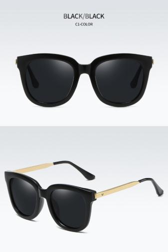 Kép 1/5 - A&ONE Fekete Színű Nagy Méretű Kerekített Női Napszemüveg Arany Szárral