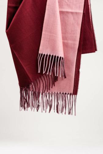 Kép 2/3 - A & ONE Rózsaszín-Bordó Kétoldalú Viszkóz Sál