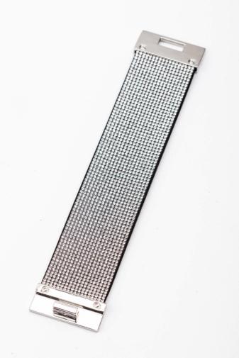 Kép 1/2 - A & ONE Fekete Alapon Fehér Strasszköves Női Karpánt, 4 cm