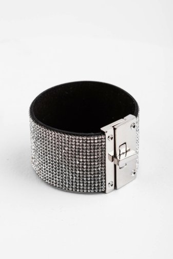 Kép 2/2 - A & ONE Fekete Alapon Fehér Strasszköves Női Karpánt, 4 cm