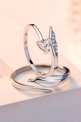 Kép 4/4 - A & ONE Állítható, Cirkónia Kövekkel Díszített Szív És Szárny Alakú S925 Ezüst Gyűrű - Női