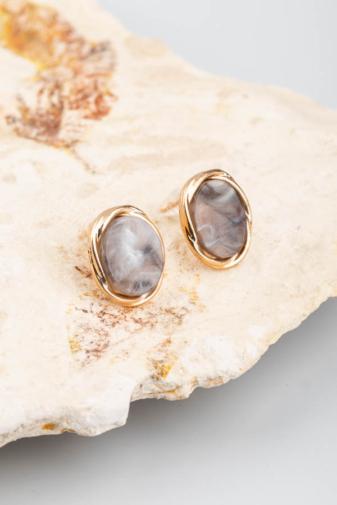 Kép 1/3 - A & ONE arany-szürke színű köves, márványos fülbevaló