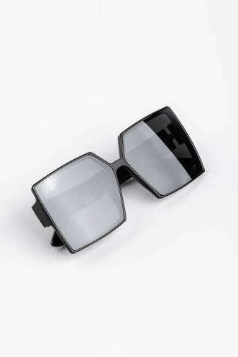 Kép 3/3 - A & ONE Fekete Nagy Méretű Szögletes Műanyag Keretes Napszemüveg