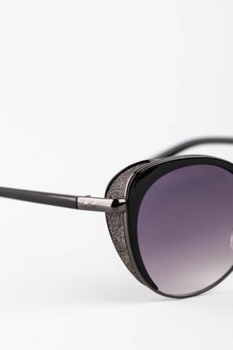 Kép 3/5 - A & ONE Fekete Enyhén Cicás Szürkés Csillámos Díszítésű Különleges Napszemüveg
