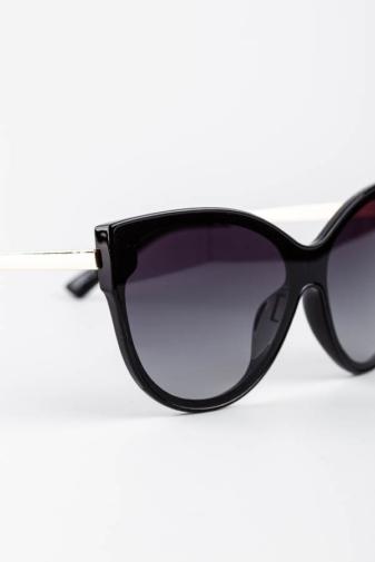 Kép 2/3 - A & ONE Fekete Cicás Nagy Méretű Arany Szárú, Fekete Lencsés Napszemüveg