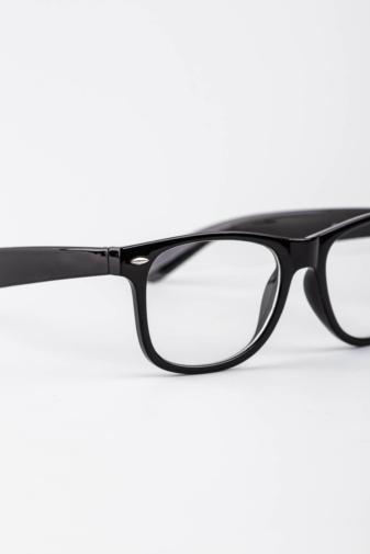 Kép 2/3 - A & ONE Fekete Keretes.Letisztult Átlátszó Lencsés Szemüveg