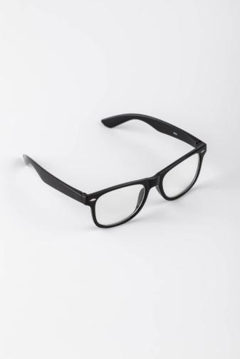 Kép 3/3 - A & ONE Fekete Keretes Letisztult Átlátszó Lencsés Szemüveg