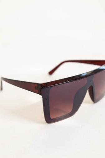Kép 3/4 - A & ONE Barna Nagy Méretű Szögletes Napszemüveg
