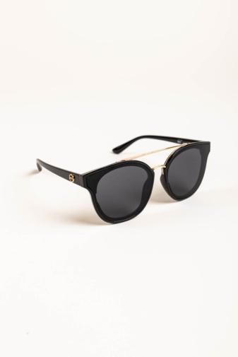Kép 2/4 - A & ONE Fekete Pilóta Fazonú, Arany Díszítésű Napszemüveg, Fekete Lencsével