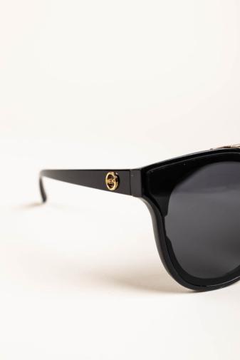 Kép 3/4 - A & ONE Fekete Pilóta Fazonú, Arany Díszítésű Napszemüveg, Fekete Lencsével