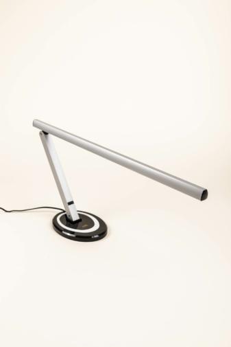 Kép 1/3 - Dizájnos Ezüst Asztali LED-es Körmös Lámpa
