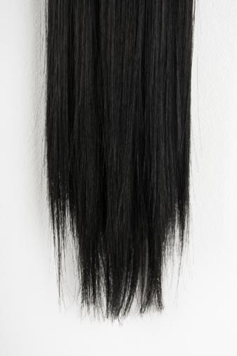Kép 2/2 - A & ONE Fekete Hosszú Egyenes Szintetikus Póthaj Copfhoz 60 cm