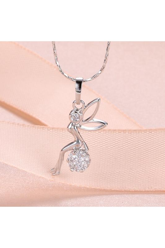 Xuping Ezüst színű rozsdamentes ötvözetből készült nyaklánc strasszos tündéres medállal