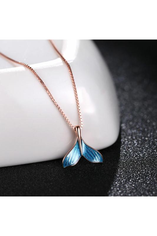 A & ONE Rózsaarany színű ezüst nyaklánc uszony alakú, kék színű medállal