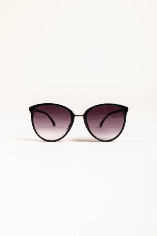 A & ONE Fekete Letisztult Napszemüveg, Szárán Ezüst Díszítéssel