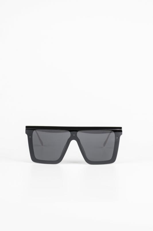 A & ONE Fekete Nagy Méretű Szögletes Napszemüveg, Szárán Piros-Zöld-Arany Díszítéssel